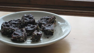 chocolate blocks with giner and cranberries